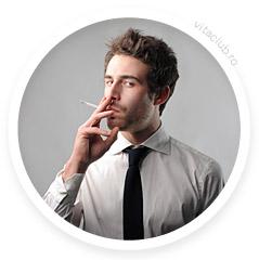 barbat fumeaza